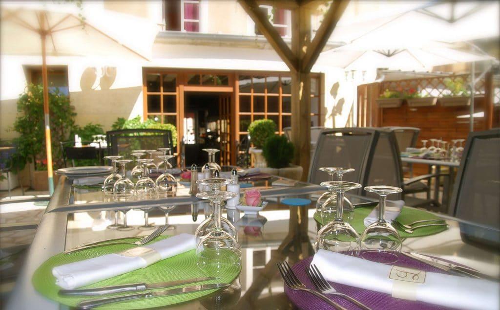 restaurant-grand-monarque-terrasse-1